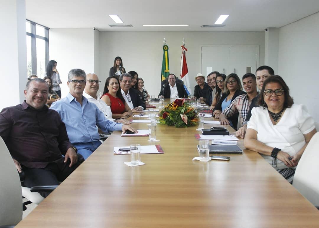 Seduc-AL realiza cerimônia de posse dos novos membros do conselho do Fundeb.