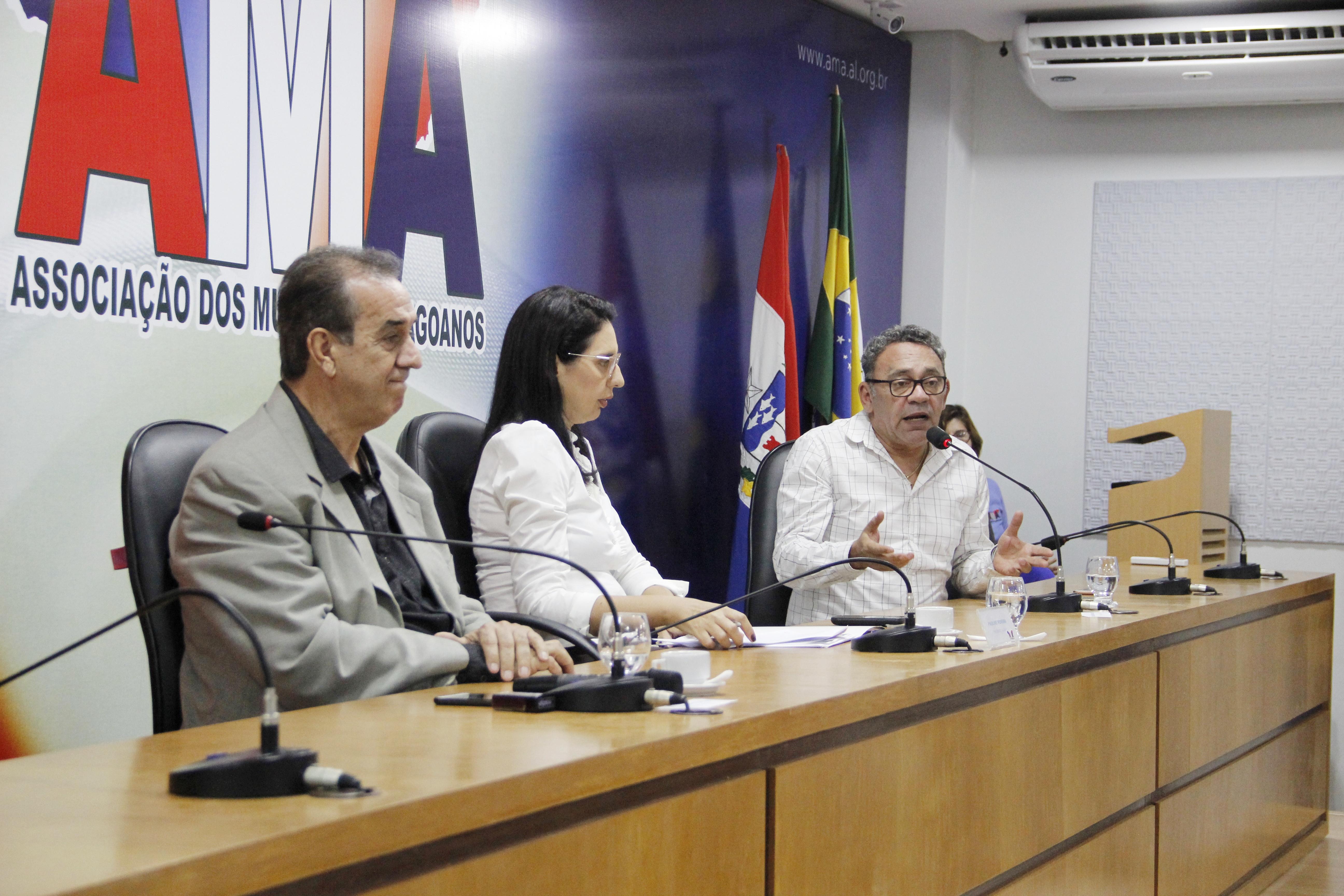 Fundeb e Plano Pedagógico das Secretarias Municipais de Educação foram pautas na primeira reunião promovida pela Undime-AL e AMA em 2020